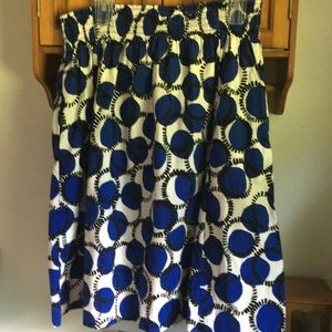 New without tags skirt with pockets